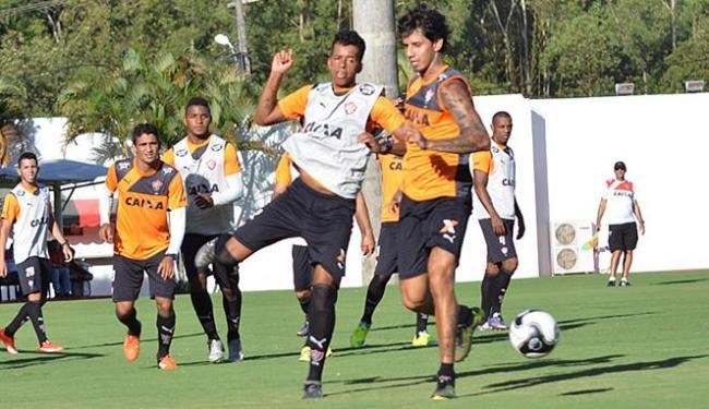 Alheio à polêmica, Victor Ramos (D) segue treinando para atuar na semifinal - Foto: Francisco Galvão l EC Vitória