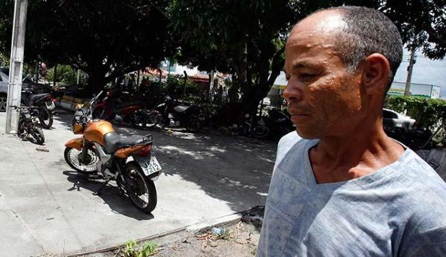 Walter Mendes Bandeira confessou ter furtado 8 motos na delegacia - Foto: Luiz Tito | Ag. A TARDE