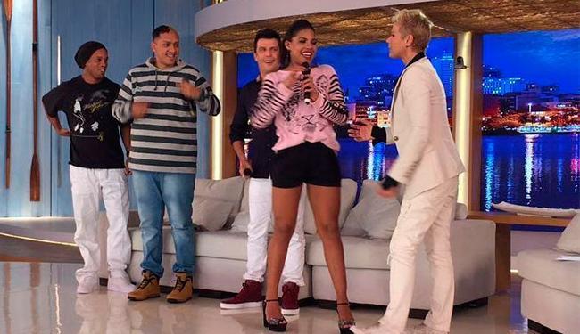 Xuxa mostrou seu swing ao lado de Tays Reis - Foto: Divulgação