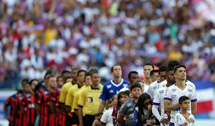 Dos 11 confrontos ocorridos na Arena Fonte Nova, foram cinco triunfos para o Vitória, contra quatro do tricolor – houve dois empates - Foto: Raul Spinassé | Ag. A TARDE