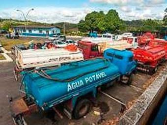 Os caminhões pipa fazem cerca de 100 viagens por dia para abastecer Itabuna - Foto: Empresa de Água de Itabuna / Divulgação