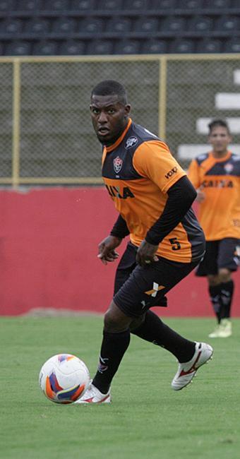 Amaral é um dos atletas mais dedicados nos treinos - Foto: Adilton Venegeroles l Ag. A TARDE