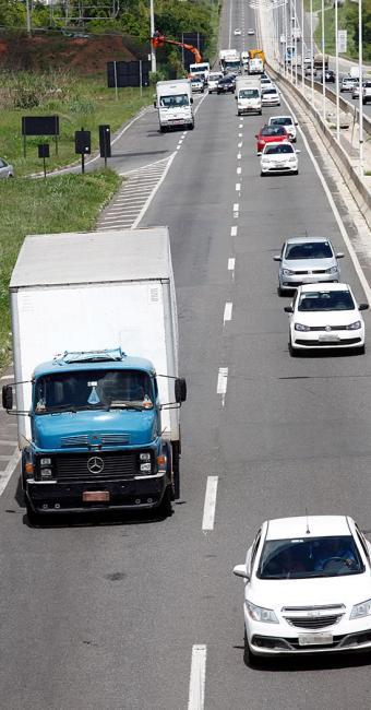 Estudo diz que 10% dos caminhoneiros usam drogas - Foto: Lúcio Távora l Ag. A TARDE