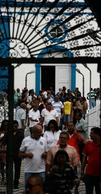 Corpo do delegado Couto foi enterrado ontem no Cemitério da Ordem Terceira do São Francisco - Foto: Luiz Tito   Ag. A TARDE