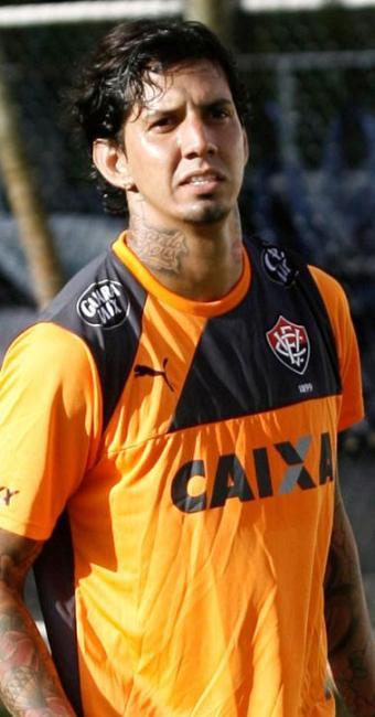 O Vitória e a FBF alegam que transferência do jogador foi nacional - Foto: Adilton Venegeroles   Ag. A TARDE