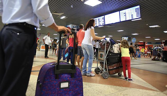 Terminal de passageiros do aeroporto de Salvador deve ser privatizado pelo governo até agosto - Foto: Joá Souza l Ag. A TARDE l 3.2.2016