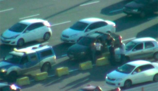 Veículo perdeu roda na colisão - Foto: Reprodução | TV Bahia
