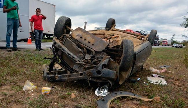 Motorista teria perdido controle do carro em uma curva - Foto: Reprodução | Blog do Anderson
