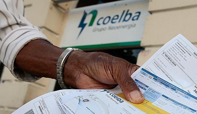 Para os consumidores residenciais da Bahia, o reajuste médio autorizado pela Aneel foi de 10,82% - Foto: Mila Cordeiro   Ag. A TARDE