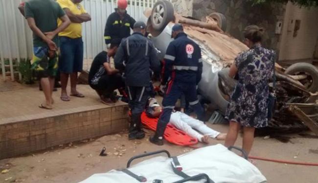 Adolescente foi retirado por bombeiros e por agentes do Samu - Foto: Sigi Vilares | Divulgação