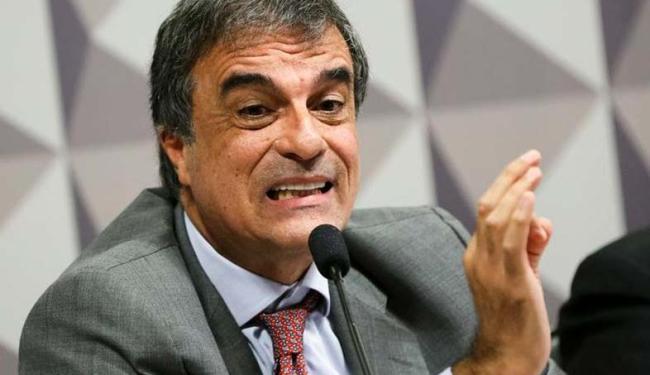 Cardozo defende Dilma na Comissão Especial do Impeachment no Senado - Foto: Agência Brasil