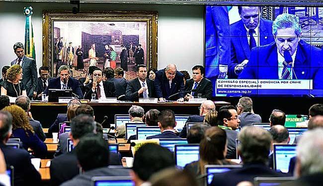 O relatório de Arantes tem mais de 130 páginas - Foto: Zeca Ribeiro | Câmara dos Deputados