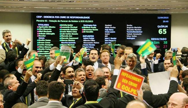 Comissão aprovou andamento do impeachment - Foto: Charles Sholl | Futura Press | Futura Press | Estadão Conteúdo