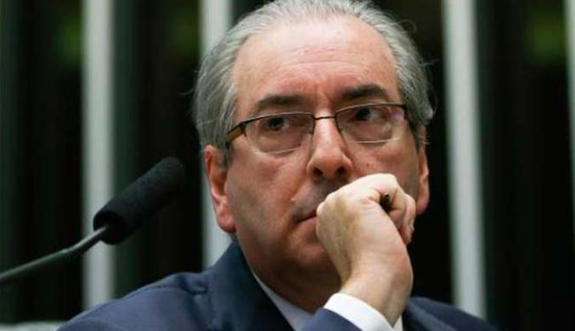 O documento simbólico com 1,3 milhão de assinaturas pede a cassação de Eduardo Cunha - Foto: Marcelo Camargo | Agência Brasil