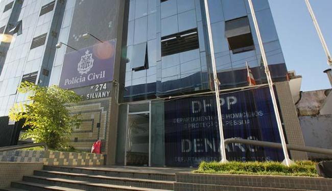 Departamento de Homicídios investiga o caso. Motivação e autoria ainda são ignoradas - Foto: Vaner Casaes   Ag. A TARDE 16.05.2011