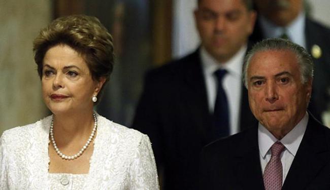 Conversa entre presidente e seu vice não contorna mal-estar entre as duas principais lideranças do p - Foto: Eraldo Peres l AP Photo