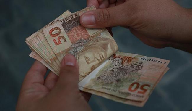 Especialistas avaliam que inflação fechará 2016 acima do centro da meta pelo segundo ano seguido - Foto: Joá Souza   Ag. A TARDE
