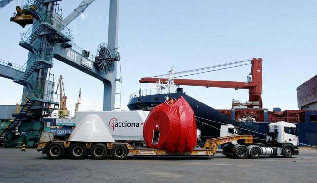 Agora, o Tecon passa a ter movimentação de saída de equipamentos eólicos produzidos no estado - Foto: Luciano da Matta   Ag. A TARDE