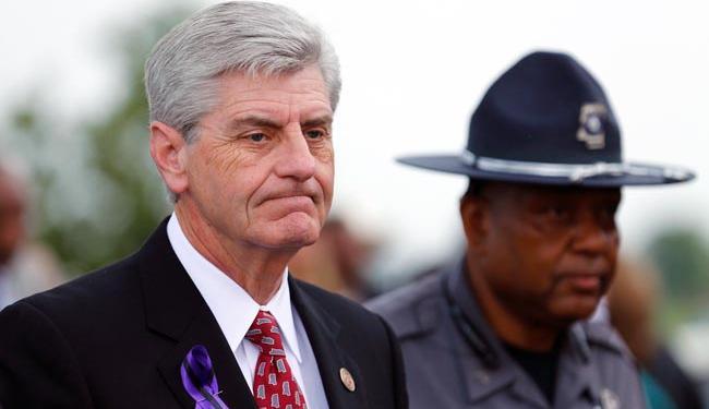Phil Bryant, governador do Mississippi, não se mostra inclinado a revogar a lei - Foto: Agência Reuters