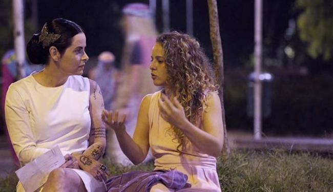 Fernanda Young foi às ruas de São Paulo entrevistar artistas - Foto: Divulgação