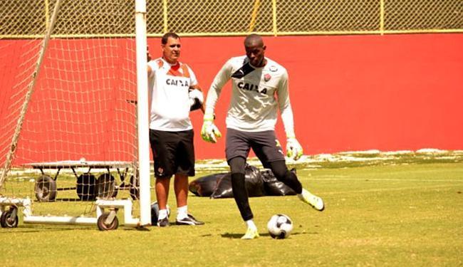 Se não der para Fernando Miguel, Caíque volta a vestir a camisa 1 do rubro-negro - Foto: Francisco Galvão l ECVitória
