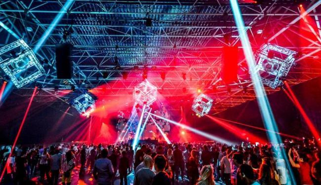 Festival de música Time Warp foi criado na Alemanha e realizado em várias cidades do mundo - Foto: Divulgação