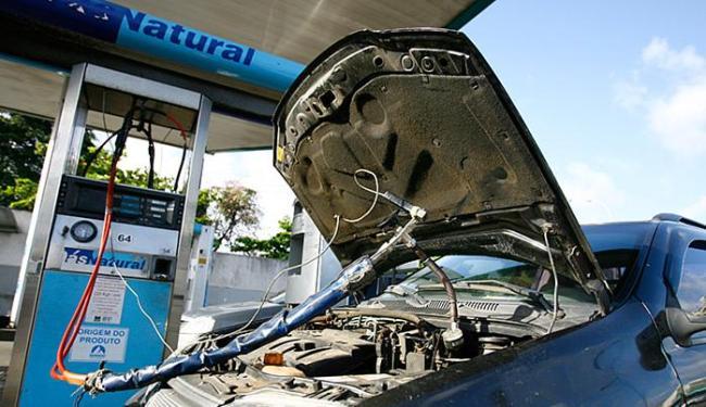 O gás natural veicular ficou 15,4% mais caro em 2015 no país, segundo levantamento do IBGE - Foto: Joá Souza l Ag. A TARDE l 10.10.2014