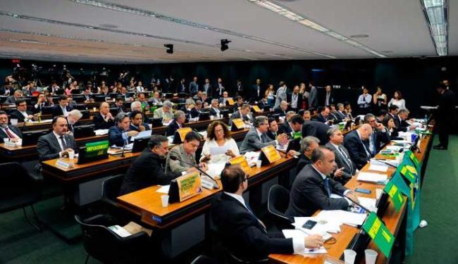Ao todo, 61 deputados discursaram sobre o parecer final da Comissão Especial - Foto: Luis Macedo / Câmara dos Deputados