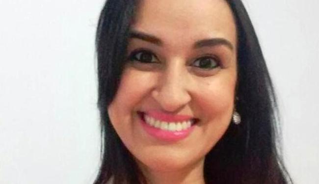 A enfermeira Janaína Caroline Cunha Alves está internada em coma - Foto: Arquivo Pessoal
