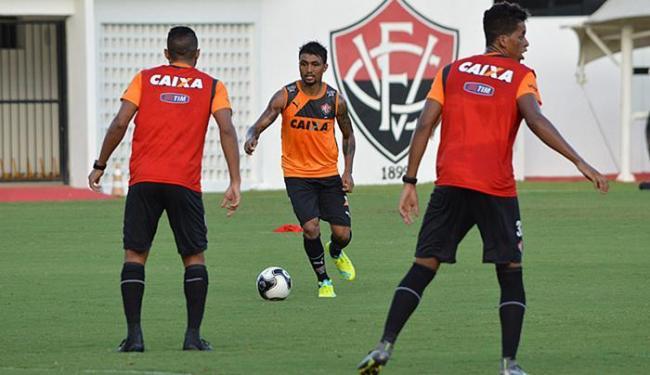 Atacante participa de treino com bola na Toca do Leão - Foto: Francisco Galvão l EC Vitória