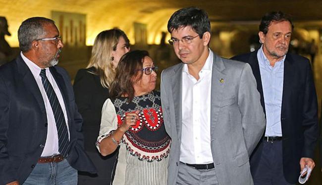 Lídice (C) e Pinheiro (D) integram o grupo que defende a realização das eleições presidenciais - Foto: Fabio Rodrigues Pozzebom l Agência Brasil