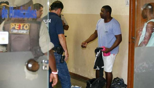 Os presos foram apresentados na 2ª DT de Feira de Santana - Foto: Luiz Tito| Ag. A TARDE