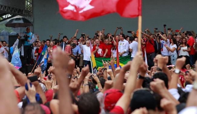 Lula deve participar de atos em outras capitais - Foto: Francisco Fontenele / Jornal o Povo