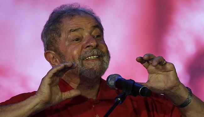 Lula chegou a puxar o grito