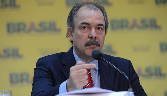 Mercadante anunciou ainda a antecipação do processo seletivo do 2º semestre para 14 de junho - Foto: Fabio Rodrigues Pozzebom l Ag. Brasil l 05.12.2013