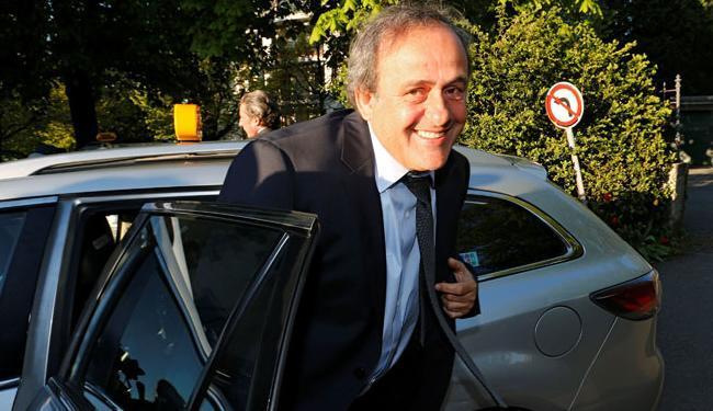 Platini comparece a tribunal para recorrer de suspensão de 6 anos - Foto: Denis Balibouse Ag. Reuters
