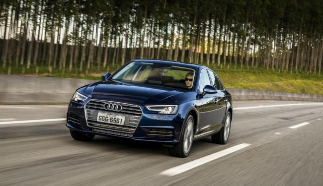 Frente nova e interior com mais capricho no painel - Foto: Divulgação Audi