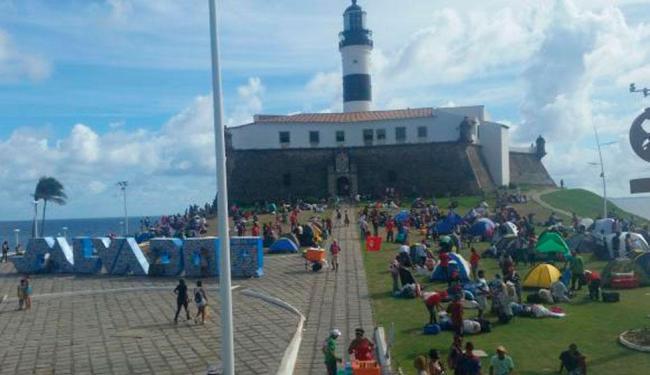 Integrantes do MST acampam em frente ao Farol da Barra, em Salvador - Foto: Sayonara Moreno/Agência Brasil