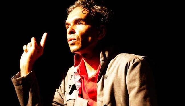 O ator e doutor em artes cênicas George Mascarenhas em O Tigre - Foto: Sora Maia | Divulgação