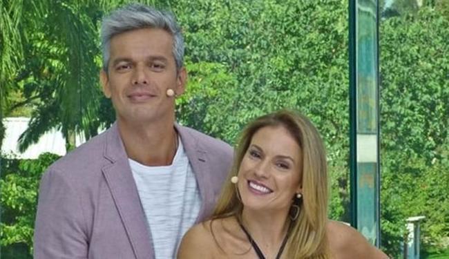 Otaviano ao lado de Maíra Charken, apresentadores do Vídeo Show - Foto: Divulgação | TV Globo