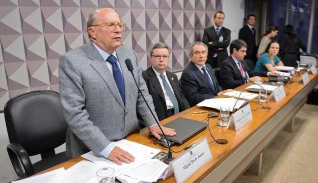 Miguel Reale Junior e o relator da Comissão no Senado, Antonio Anastasia - Foto: Jefferson Rudy/Agência Senado