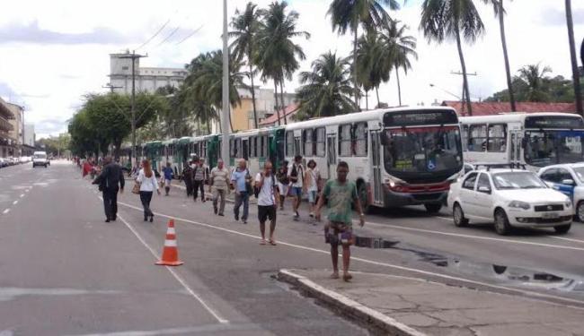 Por conta da interdição, trânsito está complicado até o Largo da Calçada - Foto: Luciano da Matta | Ag. A TARDE