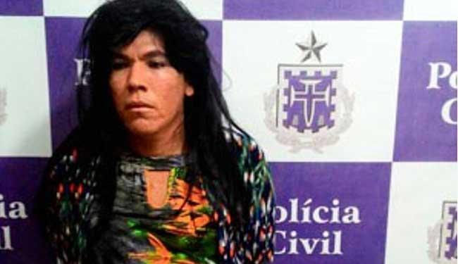 Homem usou peruca, vestido e maquiagem para disfarce - Foto: Polícia Civil   Divulgação