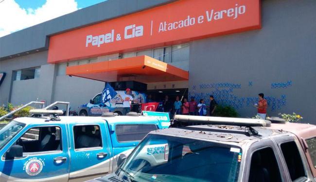 Sindicato promove protesto pedindo mais segurança para trabalhadores - Foto: Edilson Lima | Ag. A TARDE