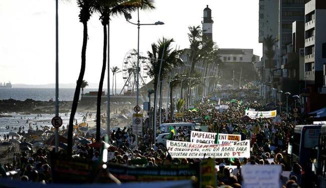 Protesto sai do Farol e acontecerá no Jardim de Alah - Foto: Raul SPinassé | Ag. A TARDE | Arquivo