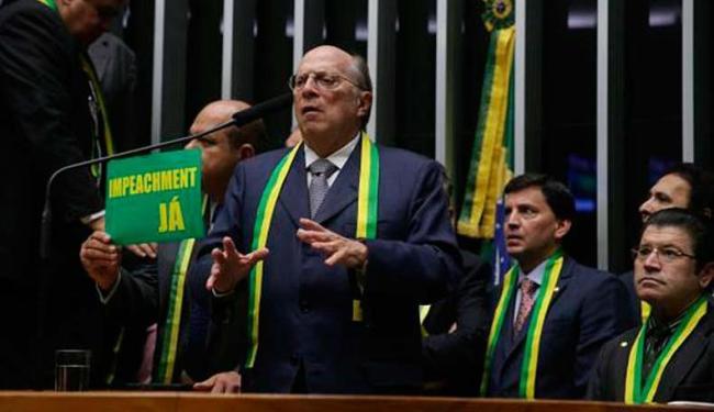 Reale Júnior, um dos autores do pedido de impeachment, fala no no plenário da Câmara - Foto: Ananda Borges   Agência Câmara