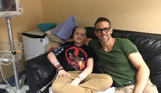 Ryan Reynolds acompanhava o adolescente Connor McGrath, que faleceu - Foto: Divulgação