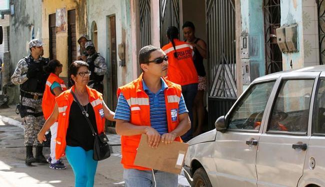 Esse foi o 1º treinamento prático sobre como deixar as residências após o alerta da Codesal - Foto: Adilton Venegeroles | Ag. A TARDE