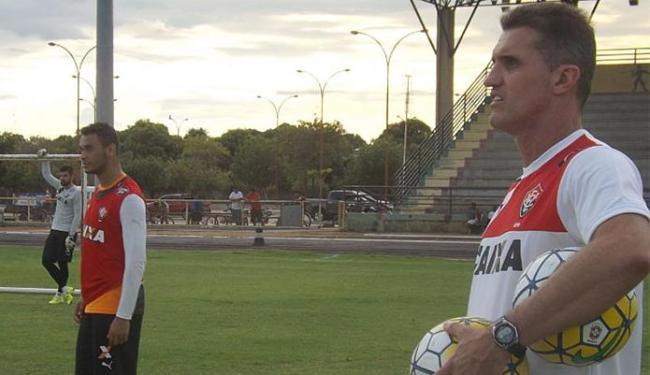 Vagner Mancini comandou nesta terça-feira, 12, uma atividade leve em Roraima - Foto: Divulgação l EC Vitória