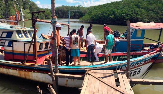 Pescadores ainda resgataram o turista, mas ele não resistiu - Foto: Divulgação | Polícia Militar